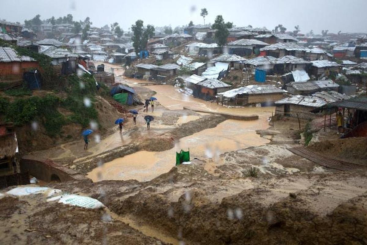 La situazione dei rifugiati rohingya un anno dopo l'esodo di massa dal Myanmar