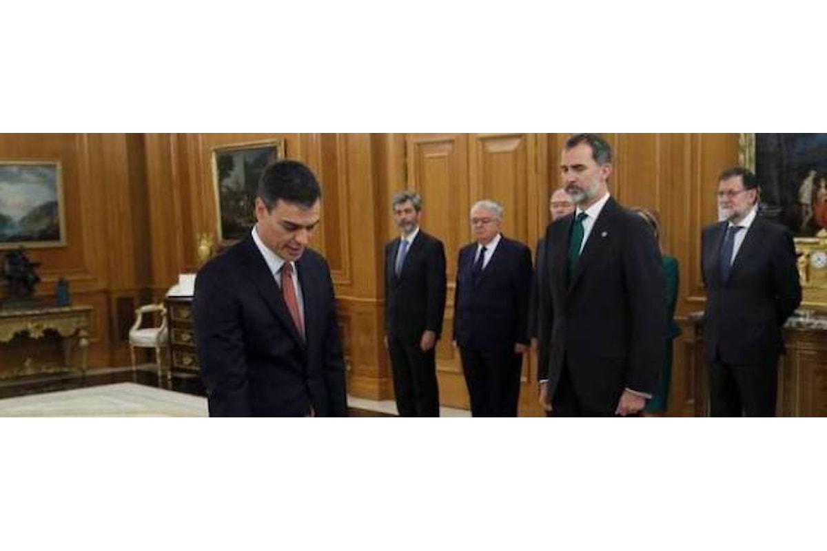 Spagna: giuramento laico per Sanchez, la prima volta senza crocifisso e bibbia
