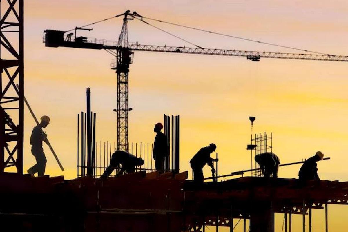 Ministero del Lavoro: diminuiscono del 30% i contratti a tempo indeterminato, aumentano i licenziamenti