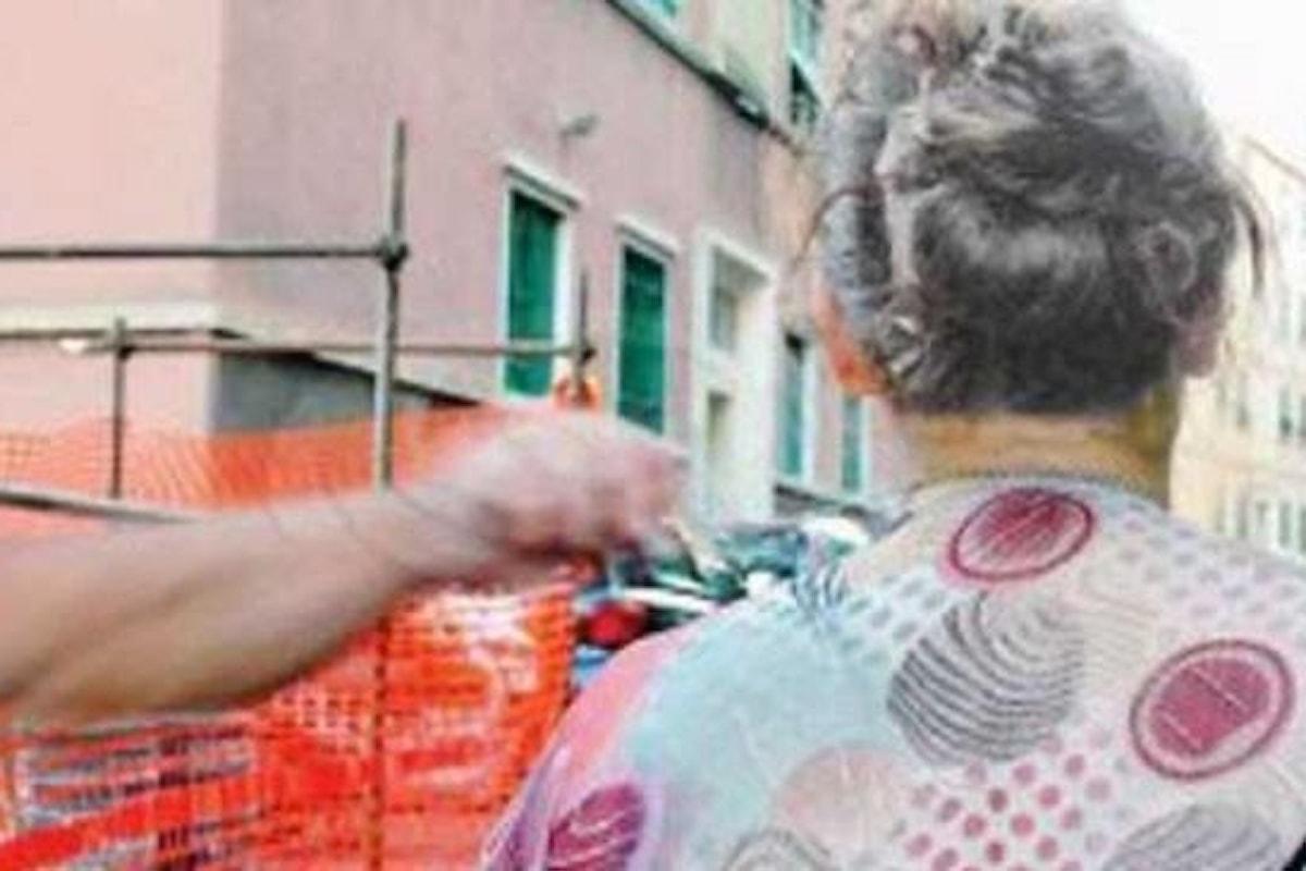Polla (SA): scippo in pieno centro, vittima un'anziana del posto