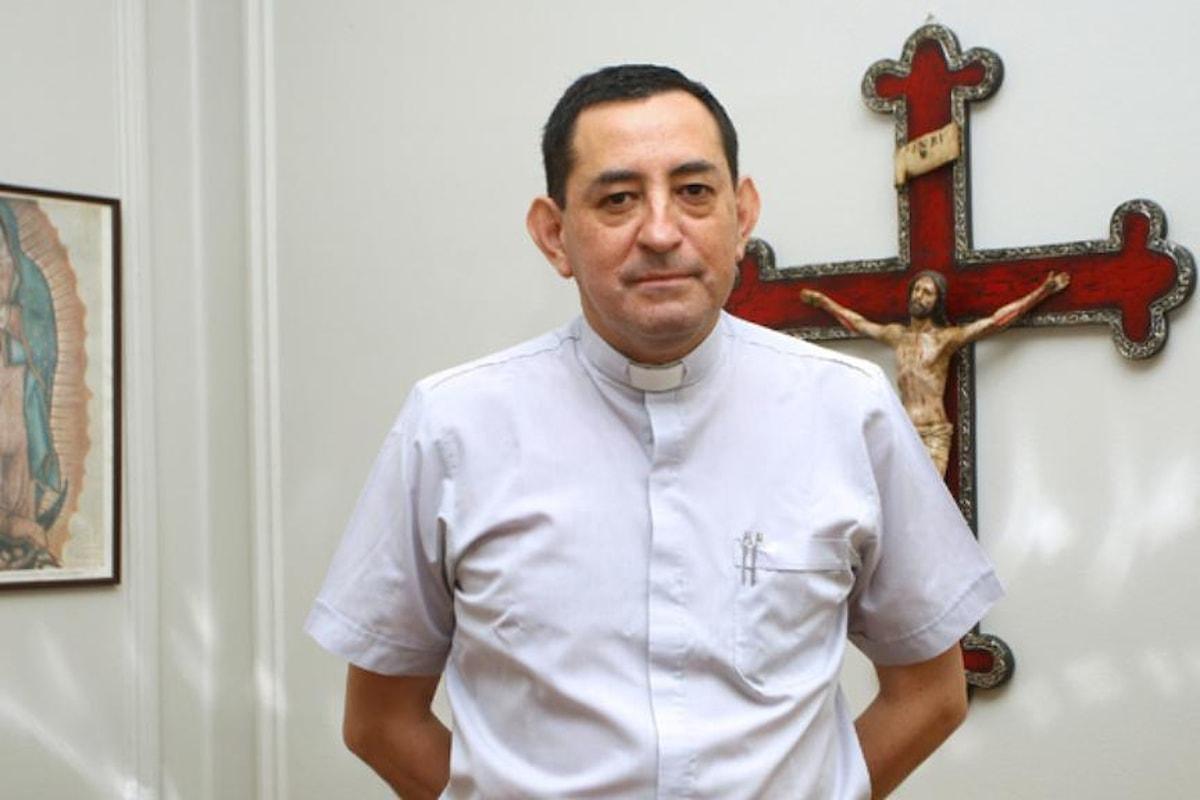 Cile: l'ex cancelliere della diocesi di Santiago è stato fermato dalla polizia con l'accusa di aver abusato sessualmente di 7 minorenni