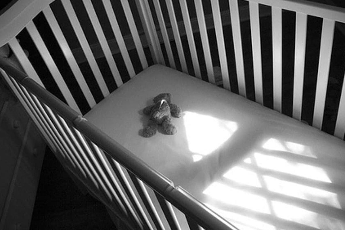 Bimbo di 4 mesi muore nella culla di casa, tragedia nel salernitano.