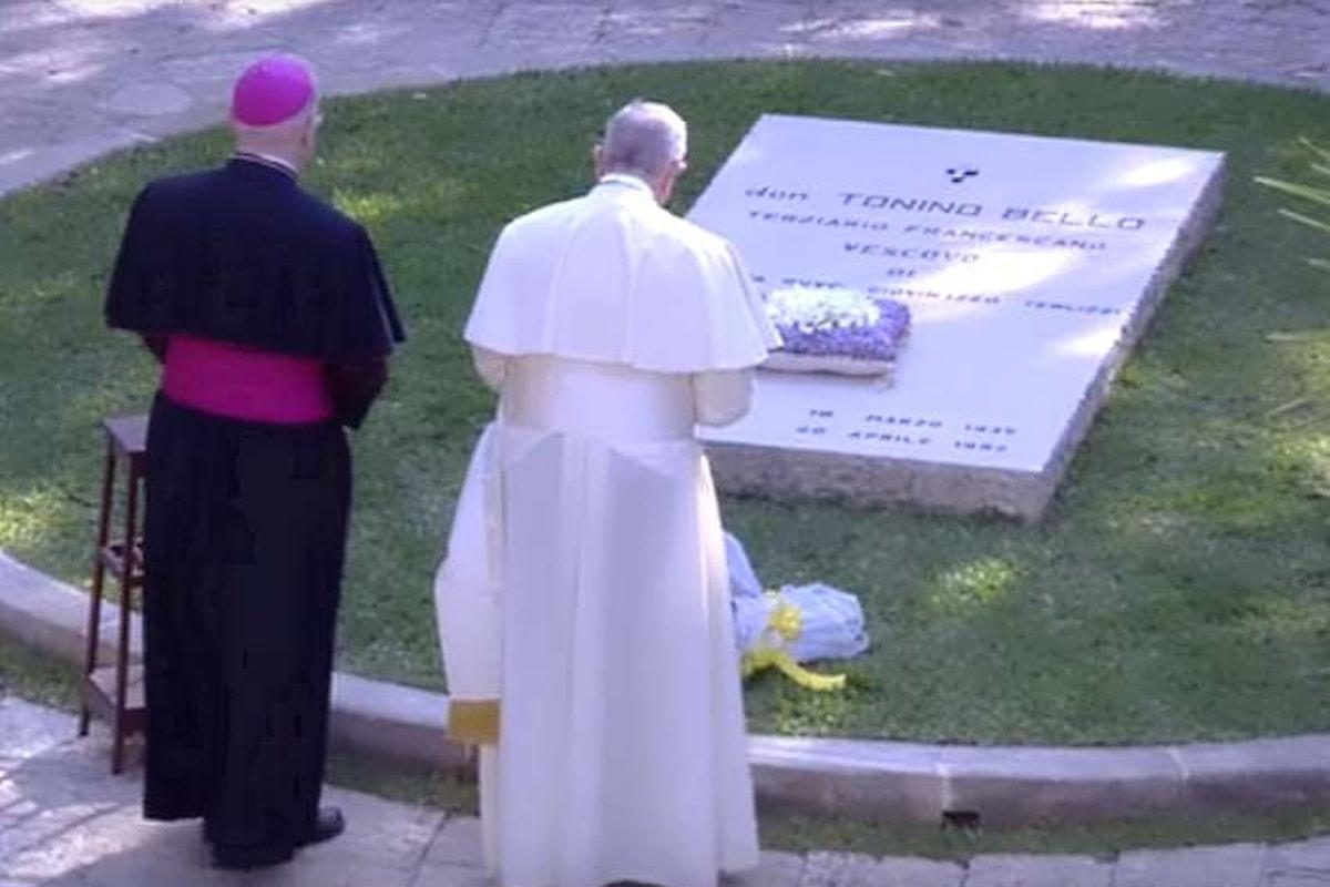 Papa Francesco in Puglia per ricordare l'esempio di don Tonino Bello