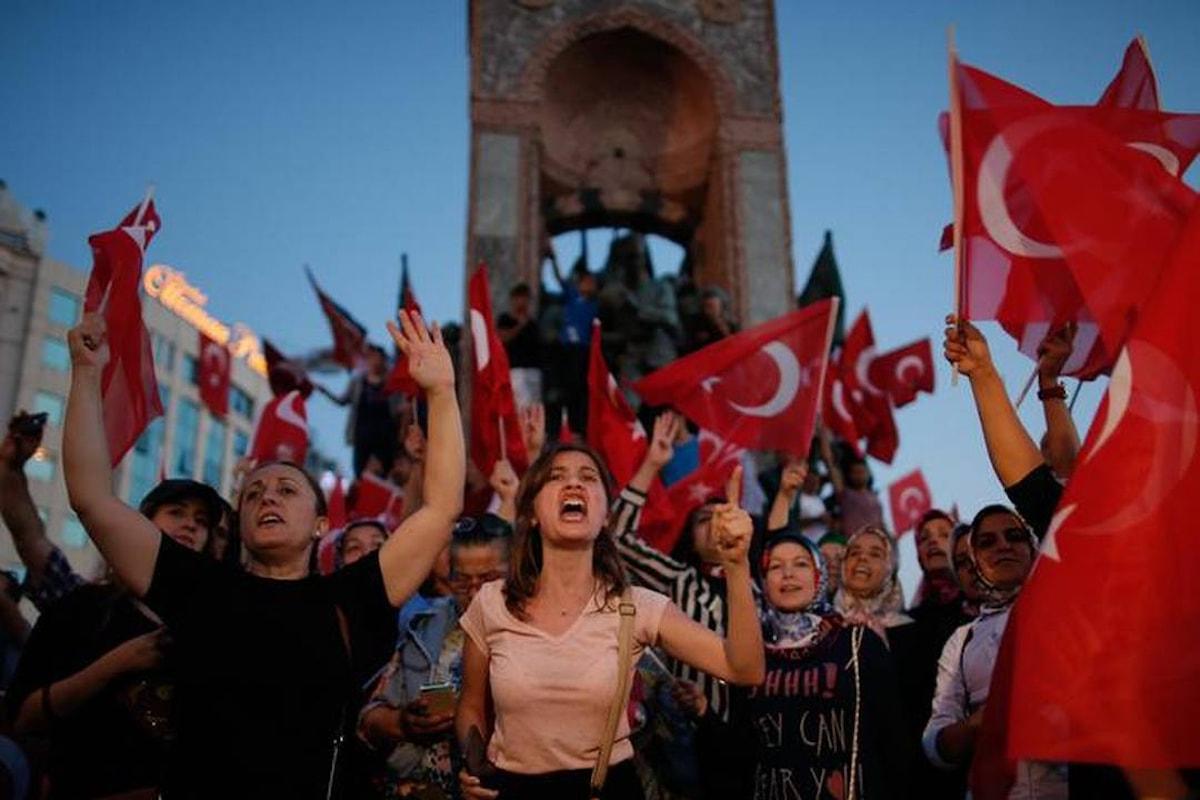FUORI UNO, DENTRO UNO - Erdogan libera 38.000 detenuti comuni per fare spazio ai golpisti