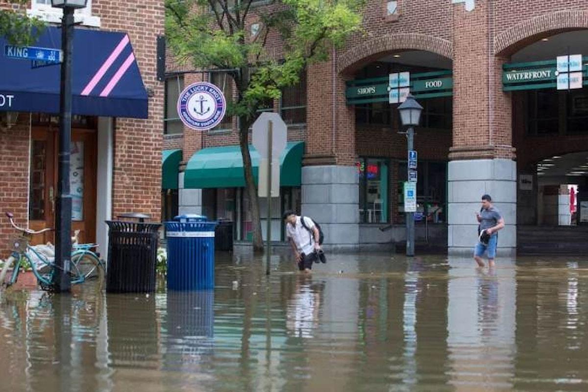 L'uragano Florence tocca terra dopo aver perso potenza, sussiste però il pericolo inondazioni