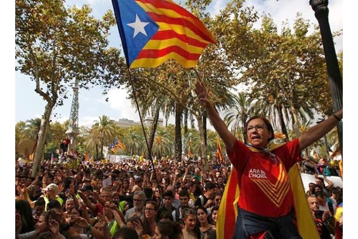 Referendum per l'indipendenza della Catalogna, Madrid invia a Barcellona forze di Polizia e Guardia Civil