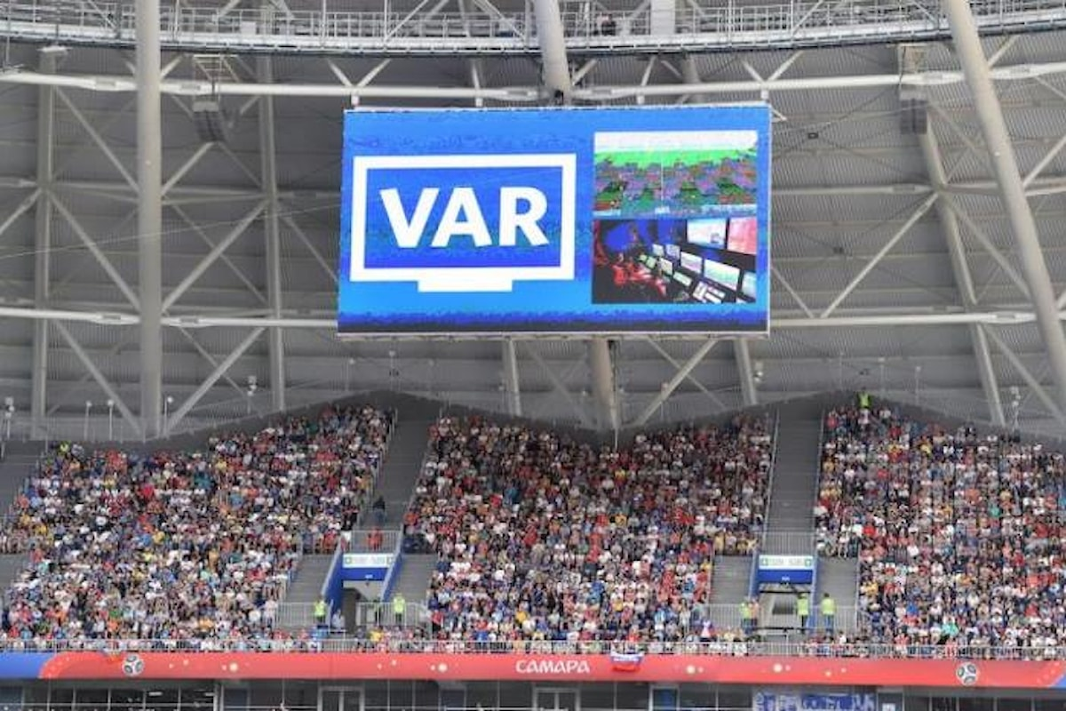 Serie A, da quest'anno anche chi andrà allo stadio potrà vedere le azioni al VAR sul maxischermo