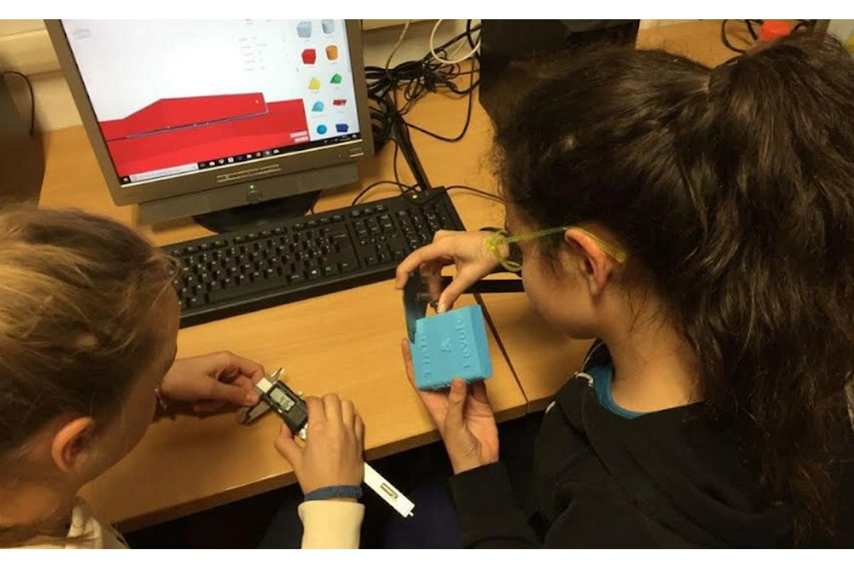 Laboratorio di coding Stream Team organizzato da Girls Code it Better