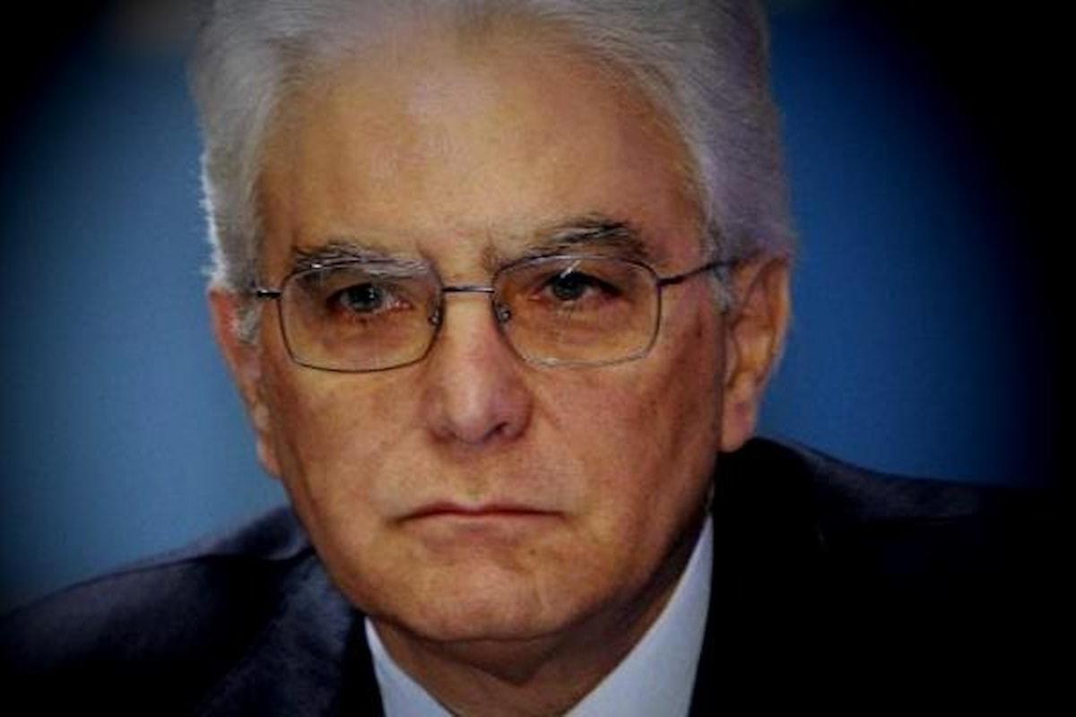 Mattarella dice di no a Savona e Conte rimette il mandato. L'Italia è nel caos