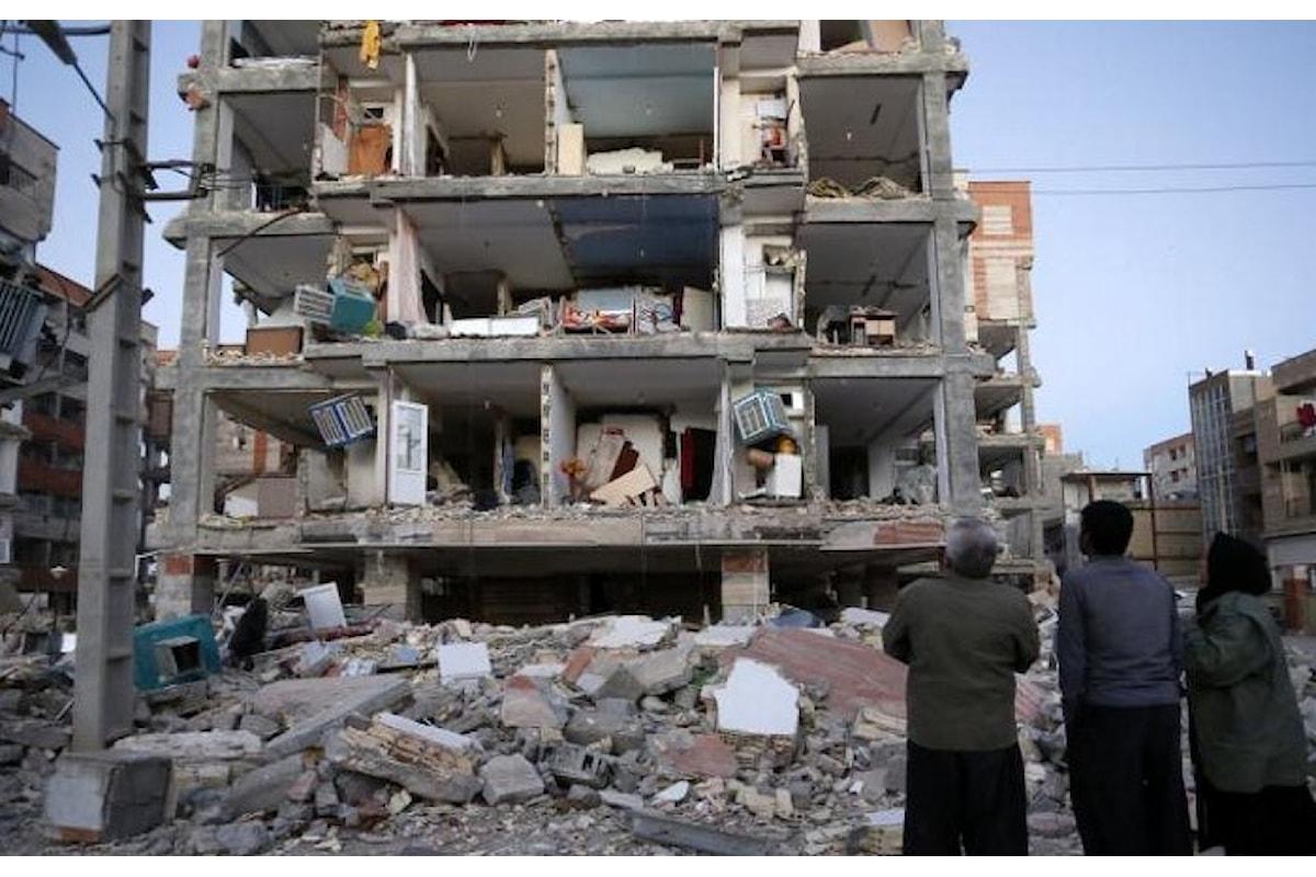 Oltre 300 i morti nel bilancio provvisorio del terremoto che ha colpito il nord ovest dell'Iran nella notte di lunedì