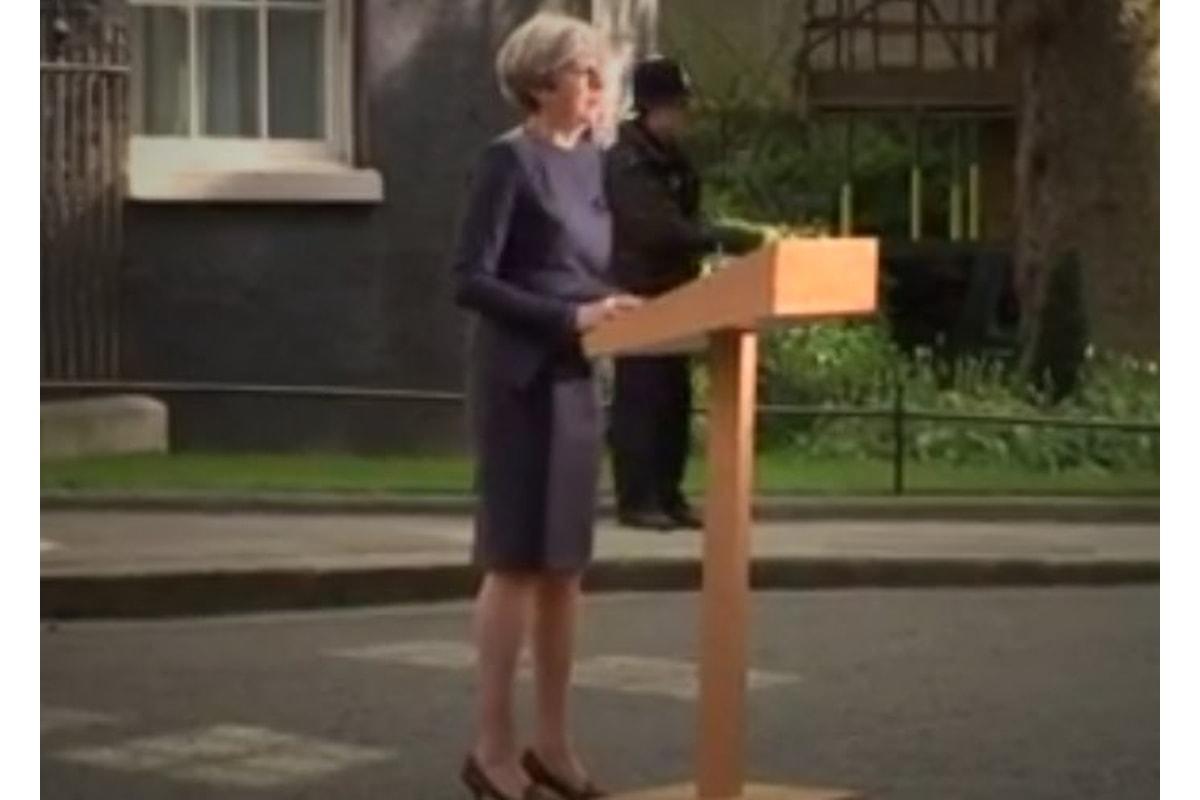 Theresa May chiama la Gran Bretagna al voto anticipato per il prossimo 8 giugno
